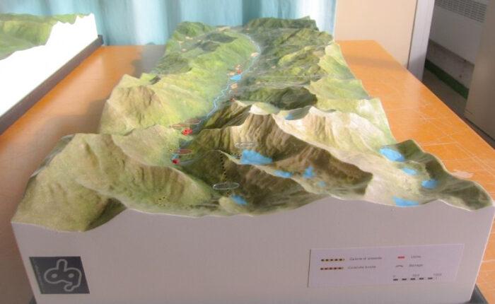 Maquette topographique couleur au 1/25000ème de la Vallée du Louron