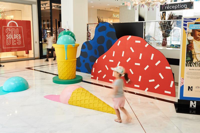 Sculptures de glaces et cornets géants - d'après les dessins de Perrine Honoré