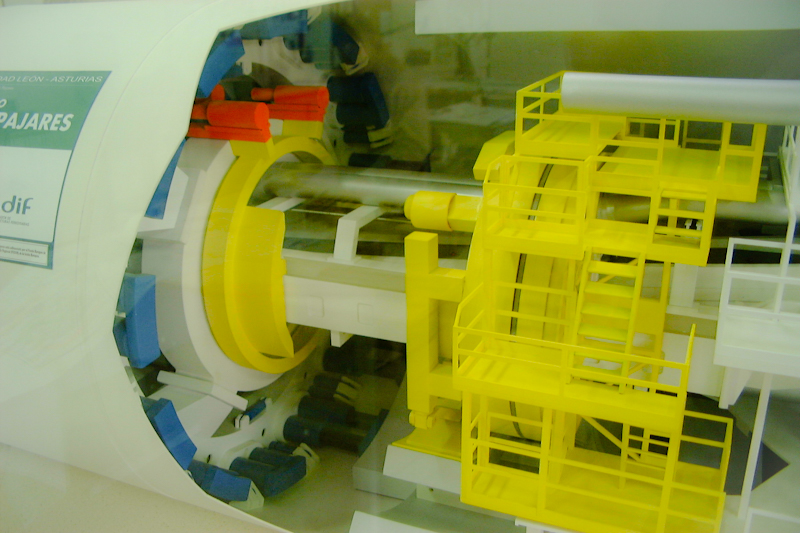 Maquette animée motorisée du tunnelier de Pajares - Espagne