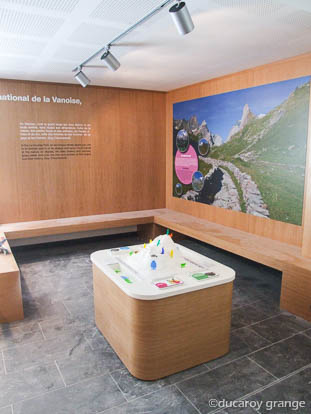 Maquette tactile et pedagogique sur le milieu naturel en montagne - Parc Nationale de la Vanoise