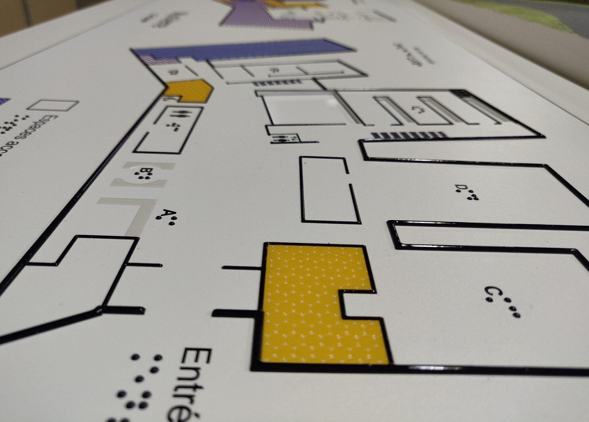 Plans Tactiles du MusVerre - Légende braille