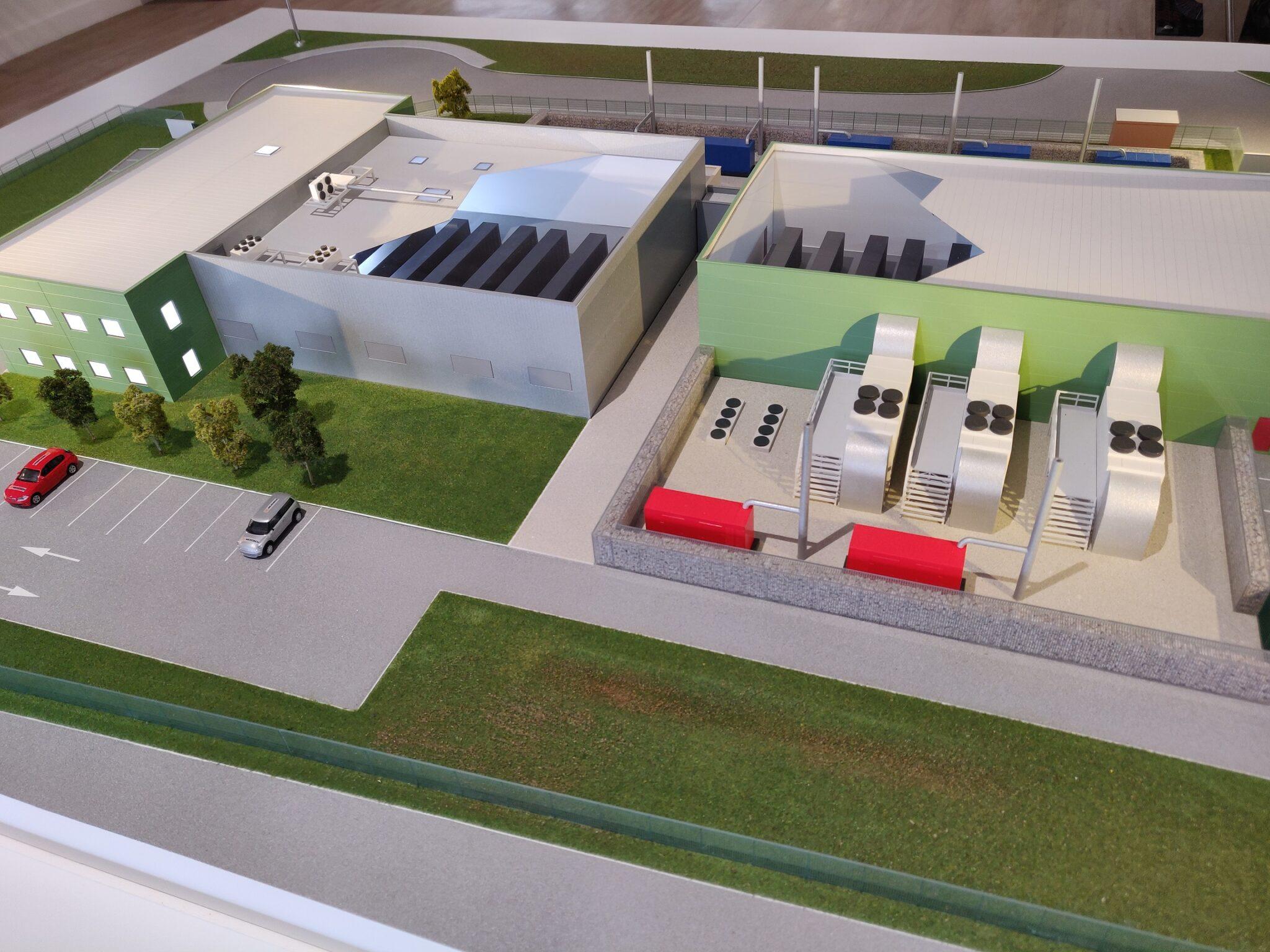 Maquette industrielle des datacenters Nexeren du Groupe Xefi - Vue en écorché