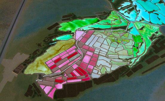 Maquette muséale animée des Salins d'Aigues-Mortes avec dispositifs de retro-eclairage par leds